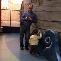 Are-modern-moms-and-dads-too-distracted-by-their-phones